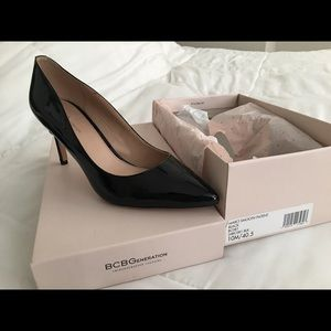 Black pointed pumps *only worn once*